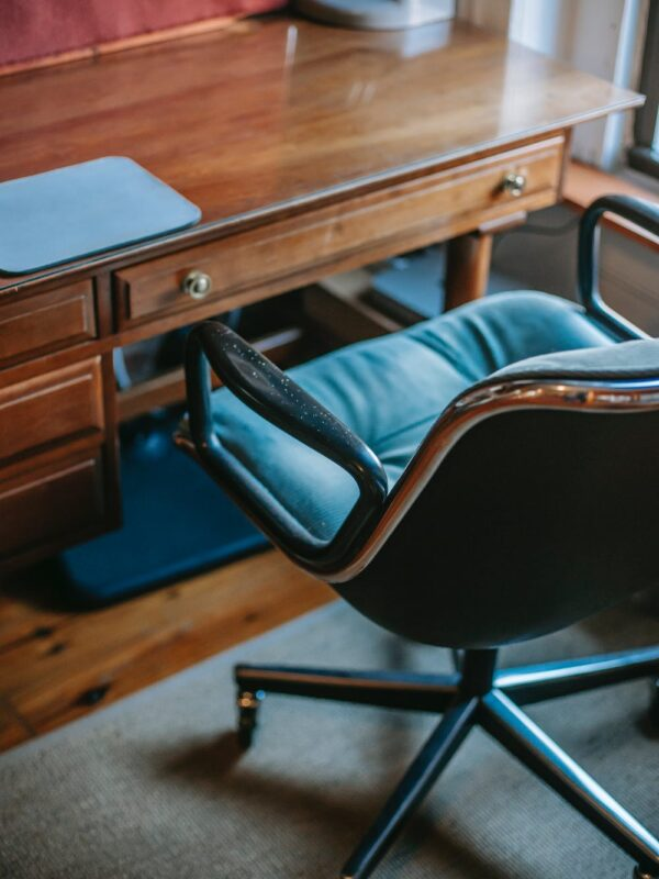 How your workspace is impacting you – with some luxury home office desk ideas & home office desk accessories that can help!
